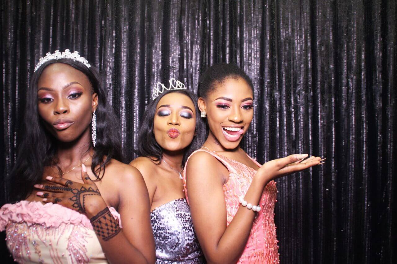 4 Exciting Prom Theme Party Ideas